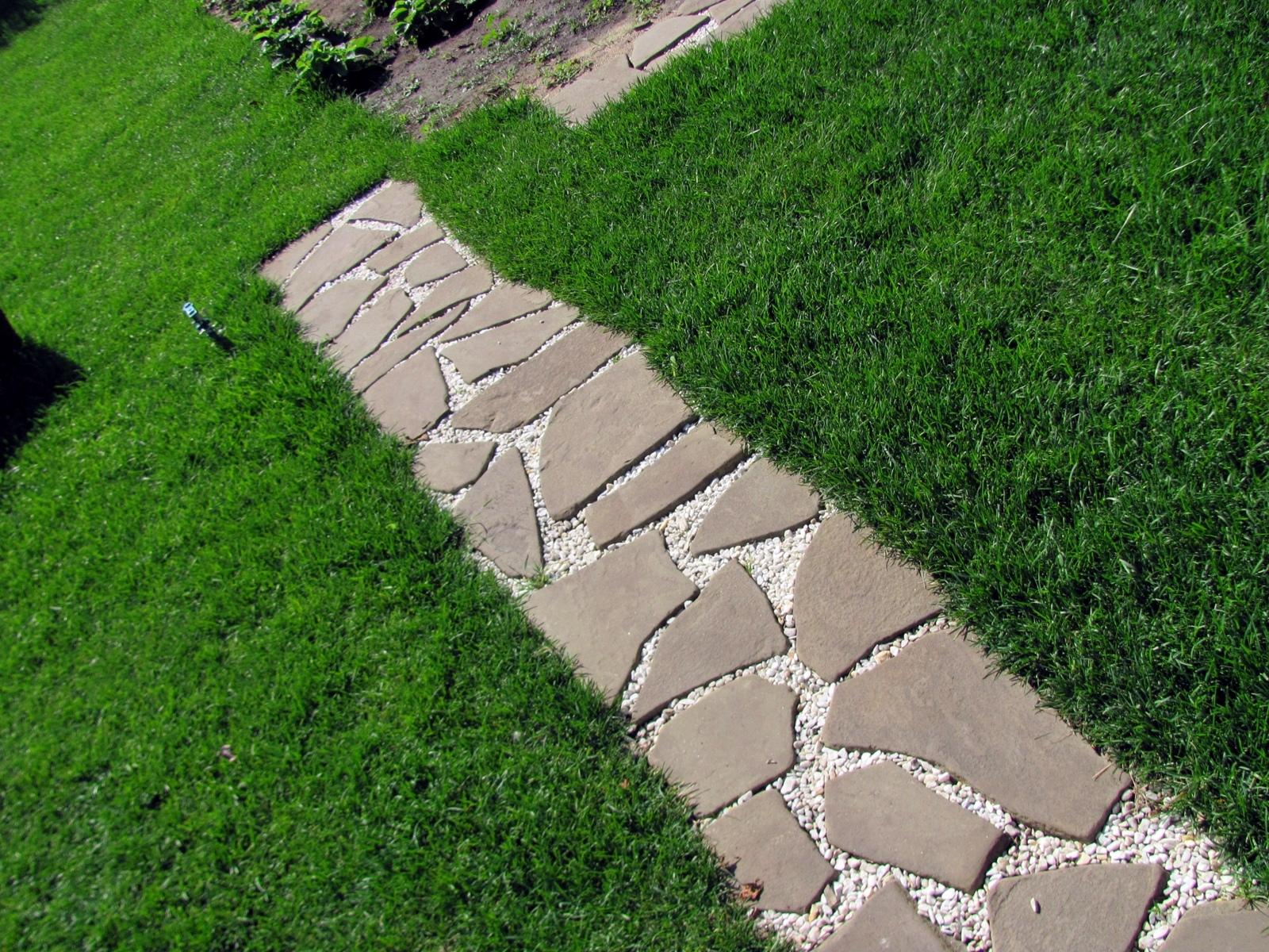 Дорожки из камня своими руками на даче и в саду: какой материал 6